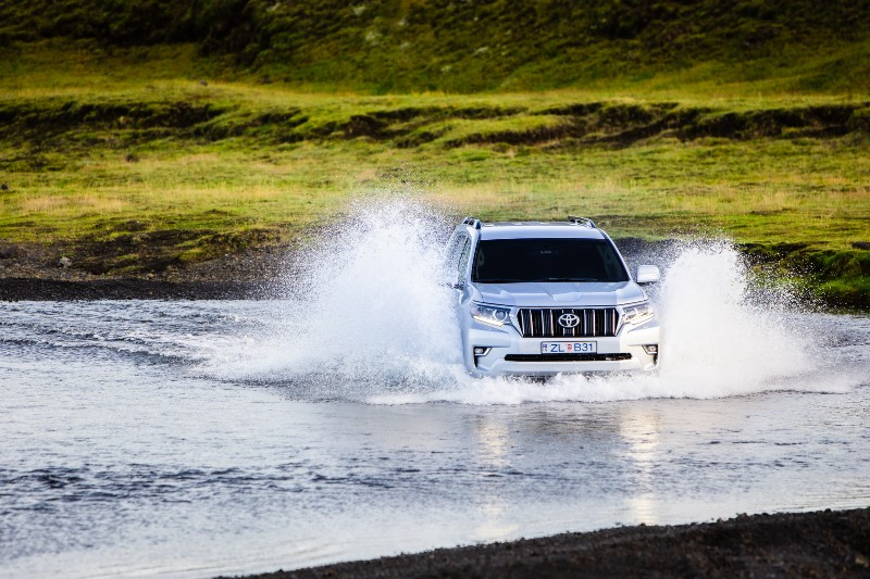 4WD car in Iceland